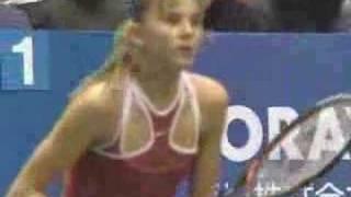 Maria Sharapova vs. Daniela Hantuchova Tokyo 2004 ダニエラハンチュコバ 検索動画 15