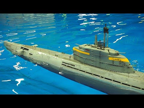 RC SCALE MODEL SUBMARINES IN DETAIL AND MOTION, NOT DIVING!! *RC BOATS IN POOL, RC NAUTILUS