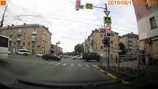 Яндекс такси ударило ниву №129
