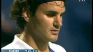 """Roger Federer extremely angry with crowd, yells """"Shut up, go home"""" to annoying fan"""