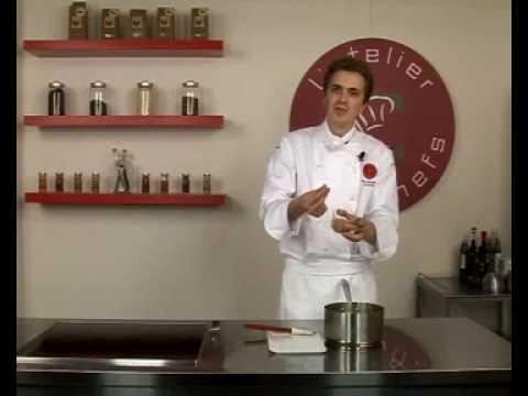 recette-de-pomme-confite-au-caramel-laitier,-feuilleté-aux-épices-de-noël