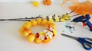 как сделать самому Поделку своими руками. Весенний Венок из яиц Киндер Сюрприз. Kinder surprise egg