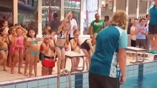 A DIPLOMA zwemmen in het forum KWADRAAT te Voorburg. Ja, Bobbi-lee mag AFZWEMMEN. #636-C