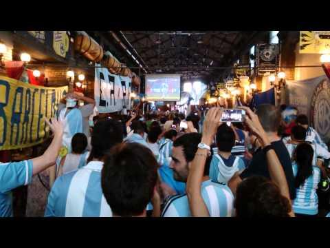 Gol de Messi contra Iran en La Ovella Negre (Barcelona)