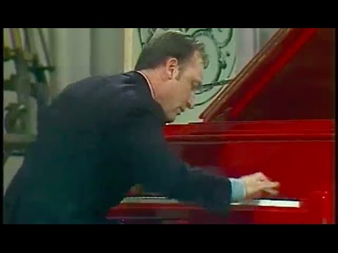 Rodion Shchedrin plays Shchedrin Prelude & Basso Ostinato - video