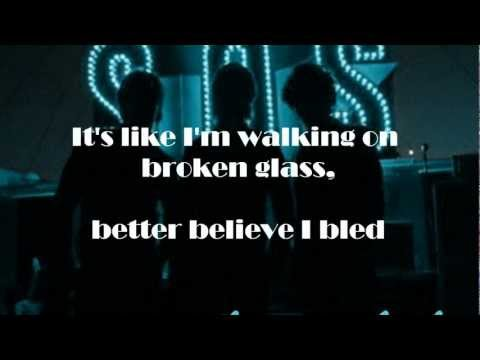 Jonas Brothers - SOS - Lyrics on screen