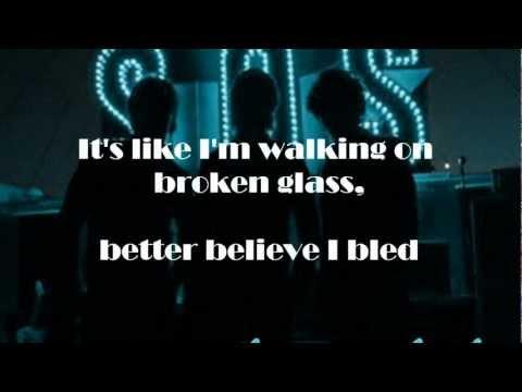 Jonas Brothers - SOS - Lyrics on screen