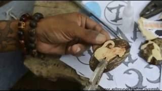 Oh Jadi begini Pembuatan Gantungan Kunci dari Tempurung Kelapa
