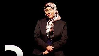 Fenomenlik bizim işimiz değil, biz köy kadınıyız. | Zümran Ömür | TEDxBursa