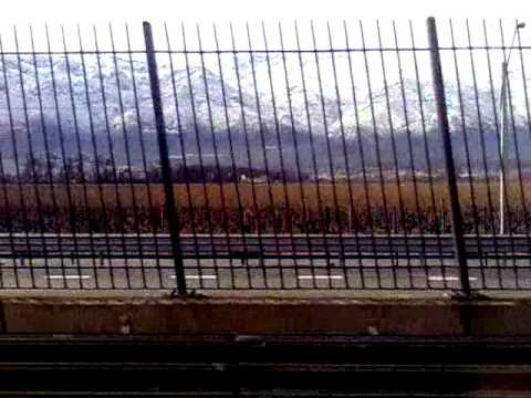 La cordillera nevada desde la línea  4 del Metro de Santiago, 26/07/2011