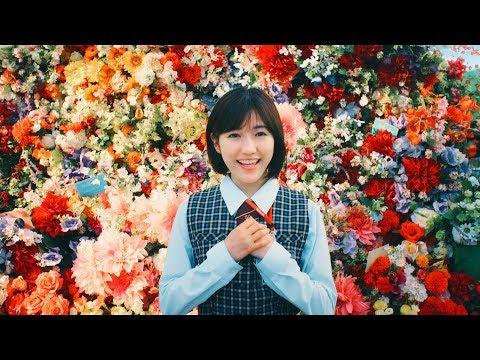 渡辺麻友、アクロバティックな演技や美声を披露 ヤクルトレディWEB動画「ミュージカル」篇&メイキング映像