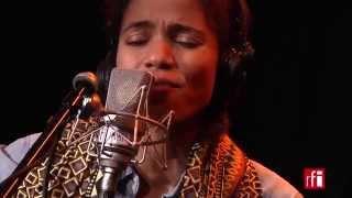 "Nneka chante ""My love, my love"" - La bande passante"