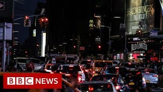 Parts of New York City go dark after po...
