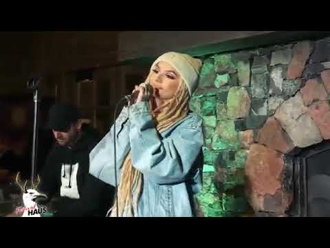 Zhavia performing Candlelight [LIVE 2019]