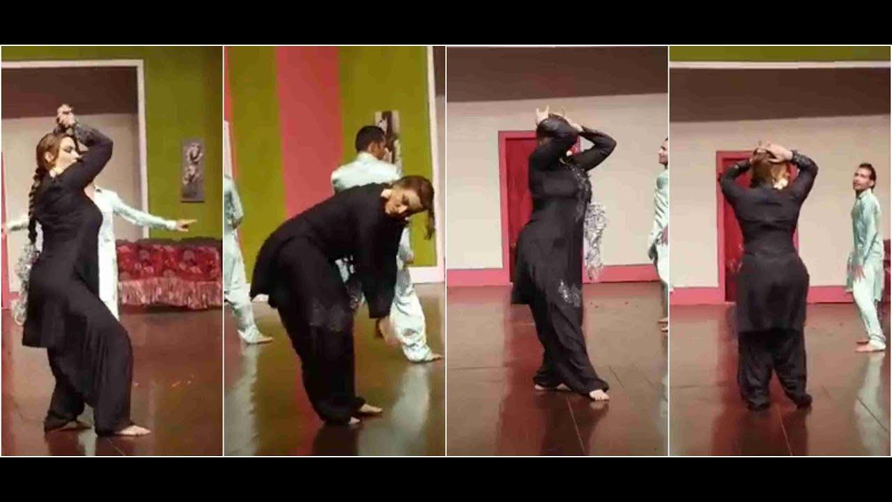 Download Saima Khan KA Silk Dress M Sexy Hot Mujra 2017 Ahhh