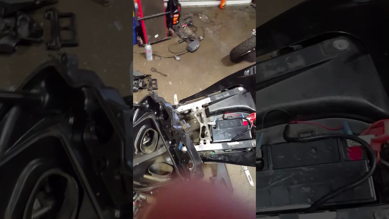 Easy Explanation On How To Change Spark Plugs On 06 Cbr600rr