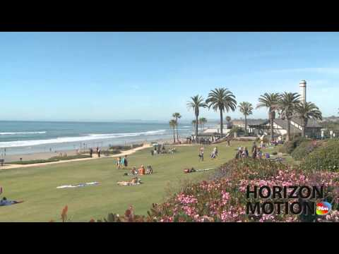 美國 聖地牙哥 San Diego  草坪 海 海邊 沙灘 People relaxing on lawn  hm2630000214