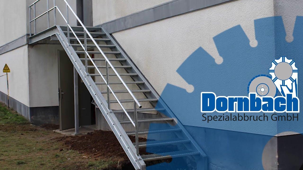 Au/ßentreppe 3 Stufen 100 cm Laufbreite Anstellh/öhe variabel von 42 cm bis 64 cm feuerverzinkte Stahltreppe mit 1000 mm Stufenl/änge als montagefertiger Bausatz ohne Gel/änder Gitterroststufe ST2