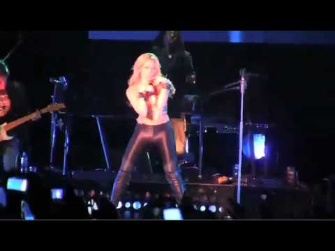 8eb62d5a1c Shakira - Sale El Sol World Tour - Bogotá - YouTube
