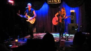 Dana Berger & Dan Toren in LA 12/8/12 - Shuv HaSheker Hazeh.avi