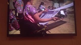 Tejido a mano por manos indígenas mexicanas de Chiapas