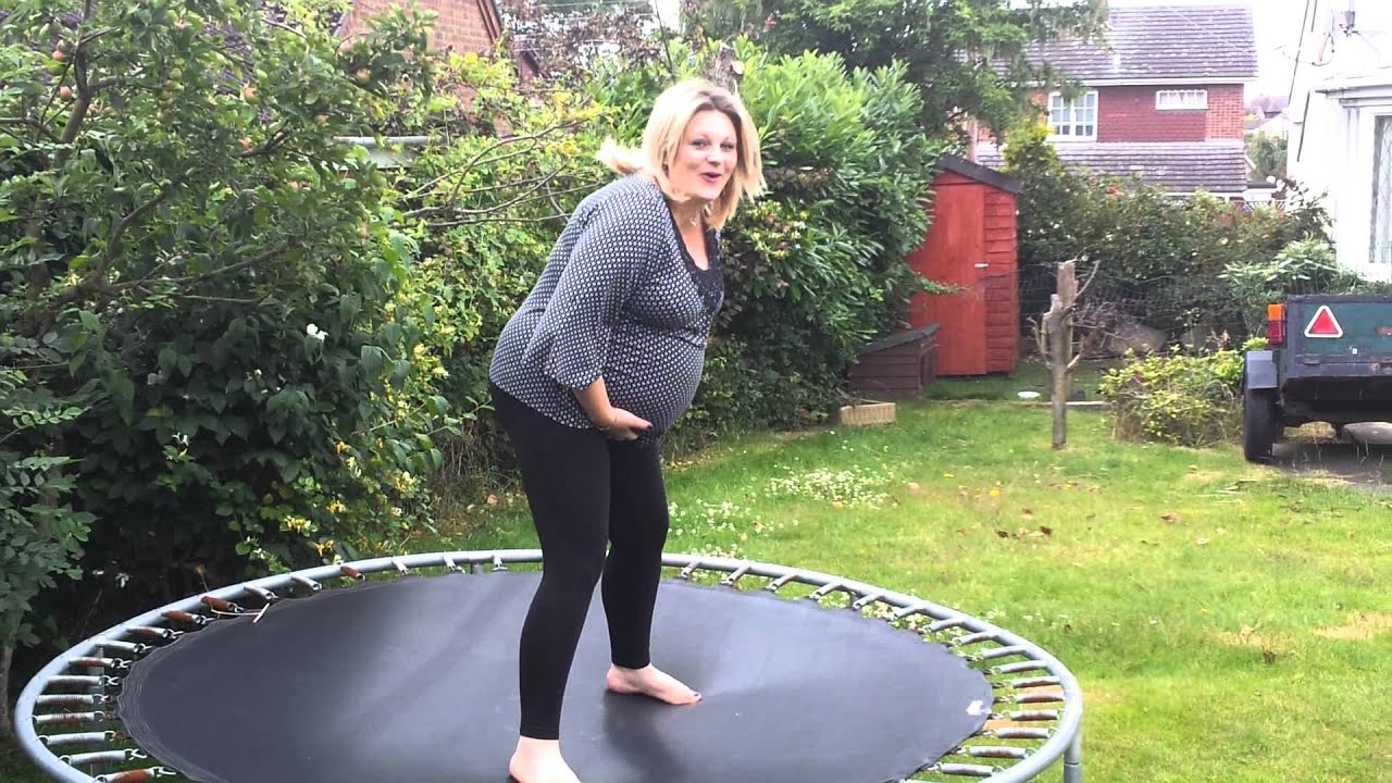 jumping-trampoline-while-pregnant