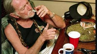 Watch Willie Nelson Sunday Morning Coming Down video