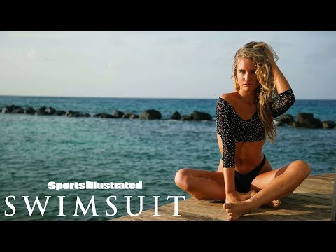 Sailor Brinkley Cook Gives The Best Modeling Tips| CANDIDS | Sports Illustrated Swimsuit