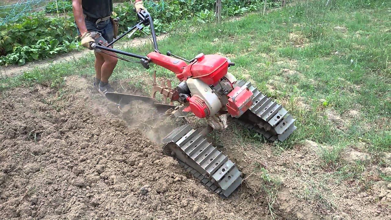 Prova di aratura con motocoltivatore cingolato youtube for Motocoltivatore usato lazio