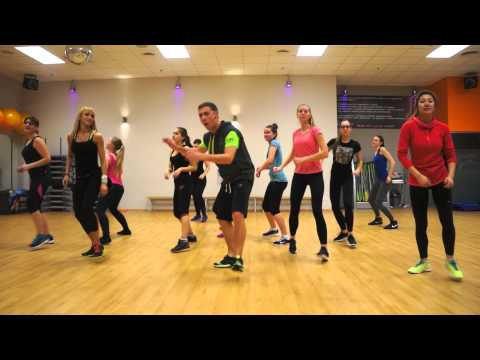 ZUMBA Shaggy - I Need Your Love ft. Mohombi, Faydee, Costi