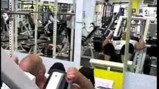 Max's MuscleTV - Sam Papas Trains Legs