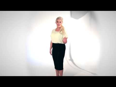Whitney Thompson's Masterclass: How to Pose for the Perfect Picture