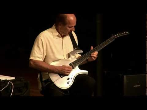 """Adrian Belew Performs """"Drive"""" - Sweetwater Sound"""