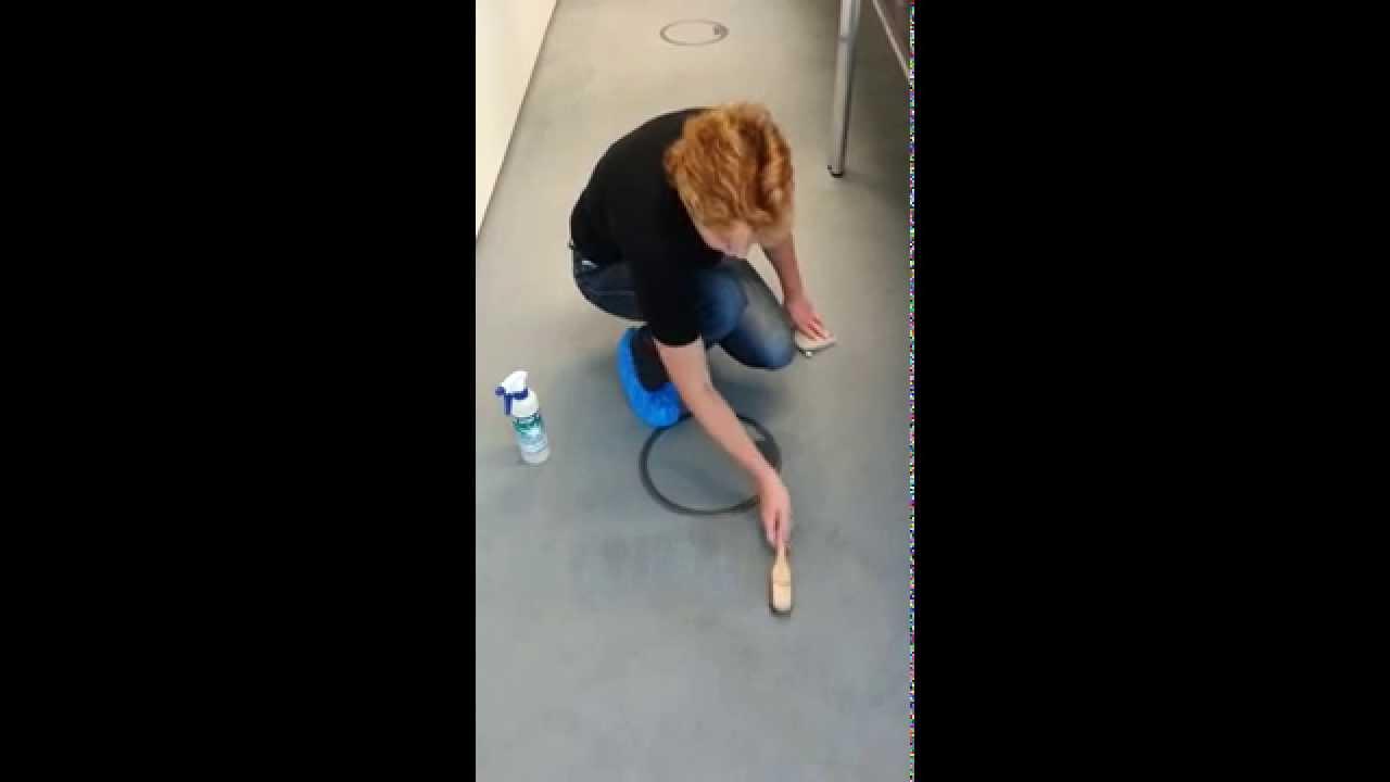 Kaffeefleck mit ONE STEP aus Teppichboden entfernen - YouTube