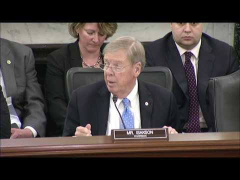 Senator Isakson delivers remarks at VA committee legislative hearing