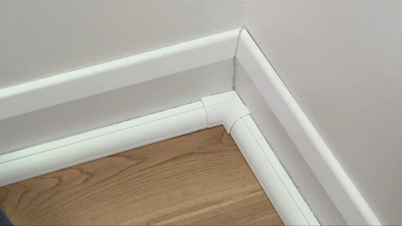 D Line Quarter Round Internal Bend Clip Over
