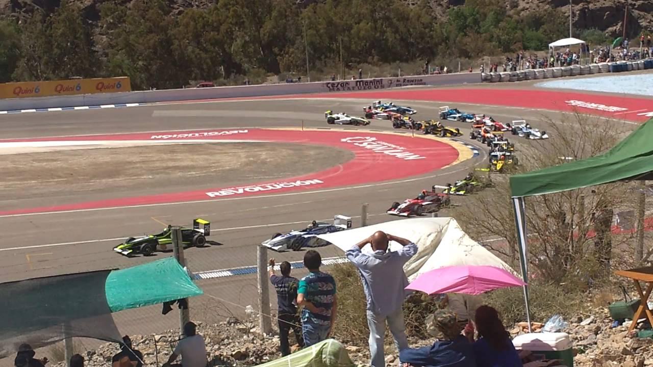 Largada y pasada de la fórmula renault pista San Juan 2016