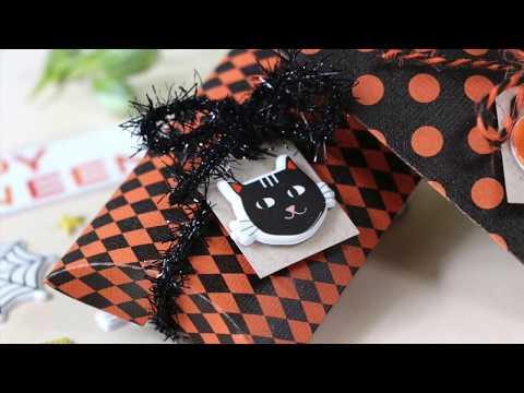 Laura Bassen Showcasing the Limited Edition Simon Says Stamp Halloween Card Kit CREEPY CUTE