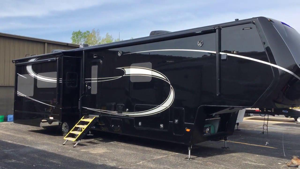 Luxe Elite 39fb Luxury Fifth Wheel 2020 Exterior