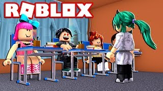 A STUDENT LOVES IN CLASS OF ME in ROBLOX 😱