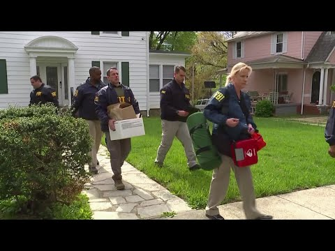 Agents search Baltimore mayor's homes, City Hall