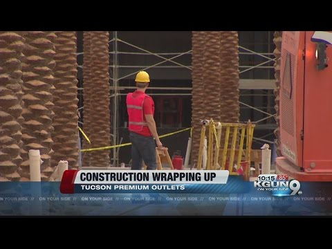 Construction in final phases at Tucson Premium Outlets