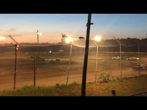 105 speedway heat race 8-18-18