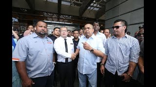 Taxi drivers threaten to hit the streets over Grab monopoly