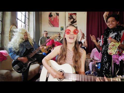 FEE. - Einzimmerwohnung (Offizielles Musikvideo)