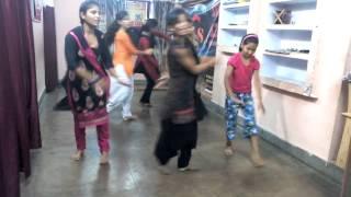 Punjabi dance in hulle hullare