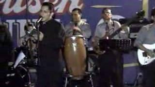 LOS VILLACORTA-ERES MI BIEN / CONDENAME (en vivo)