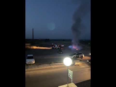 Un coche aparece ardiendo en un descampado de Moral de Calatrava