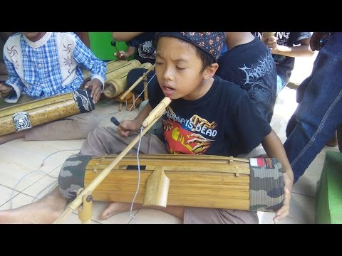 Cover Lagu Salut...! Grup Musik Tradisional Sunda Memainkan Karinding-Celempung STAFABAND