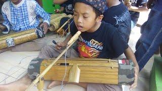 Salut...! Grup Musik Tradisional Sunda Memainkan Karinding-Celempung - Stafaband